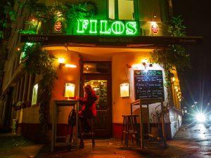 Filos Restaurant Köln - Außenansicht bei Nacht