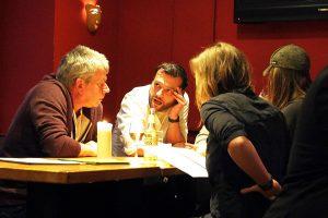 Filos Restaurant Köln - Gäste im Gespräch